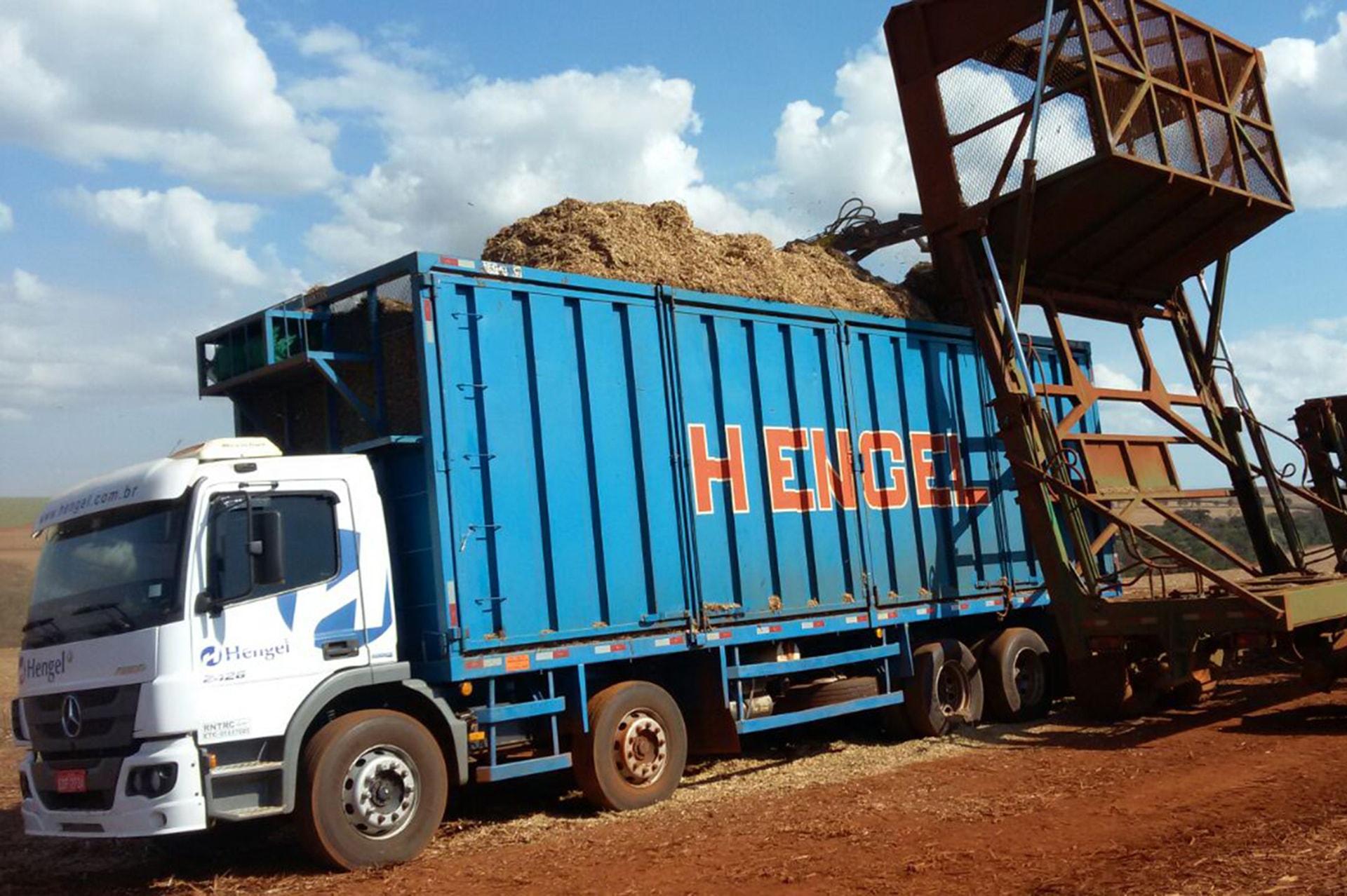 Hengel Transportes - Operação de cavaco de madeira - Cocal